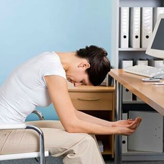Причины головной боли с тошнотой и рвотой: лечение и профилактические меры