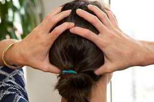 Избавляемся от головной боли проверенными способами: самомассаж, лечение травами, правильное питание, народные методы и лекарственные средства