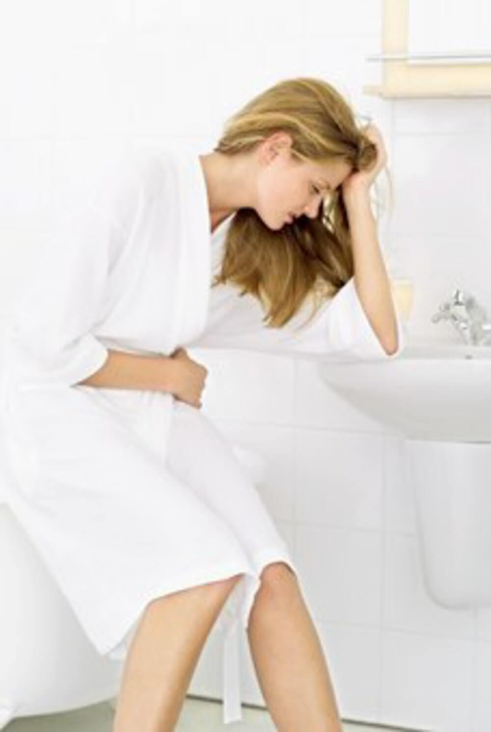 Боль в животе и тошнота - Частый понос и слабость