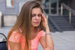Болит голова в области висков