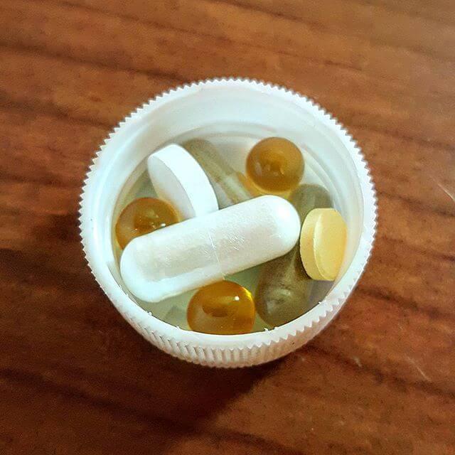 Популярные лекарства от головной боли и лечение народными методами