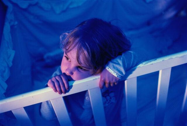 Головные боли у детей по ночам: меры по устранению недуга
