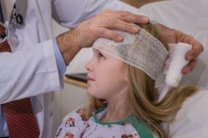 Сотрясение головного мозга у ребенка: признаки и первая помощь