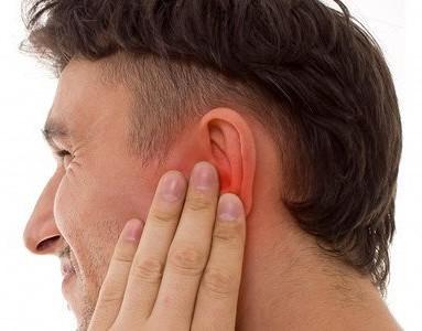 Болит голова за ухом