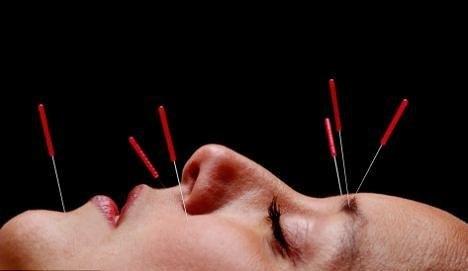 Лечение головных болей в области уха