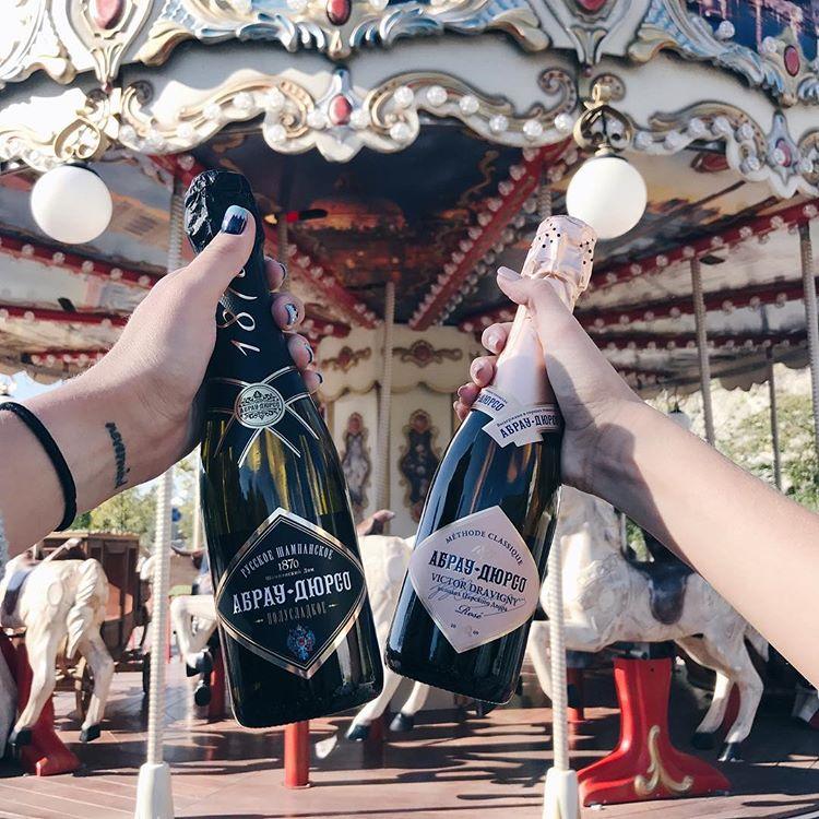 От какого шампанского не болит голова
