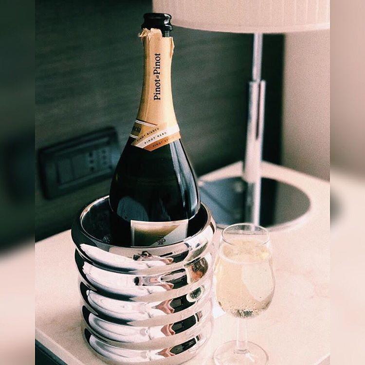 После шампанского болит голова