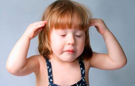 Болит голова при прикосновении
