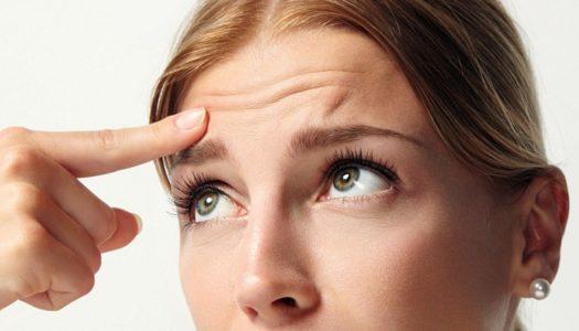 Почему болит голова в области бровей?