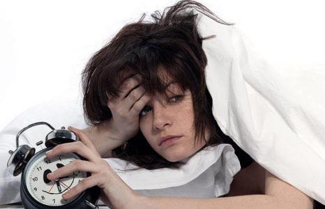 О чем сигнализирует головная боль без высокой температуры