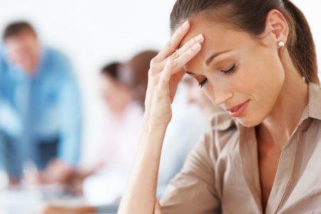 Болит голова при движении