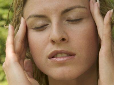 Как вылечить мигрень в домашних условиях?