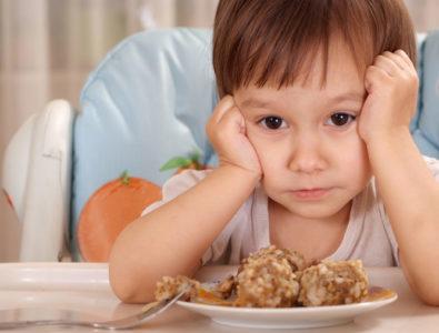 Причины головной боли и повышенной температуры у детей