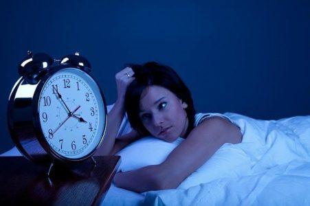 Физиологические причины, по которым болит голова после сна