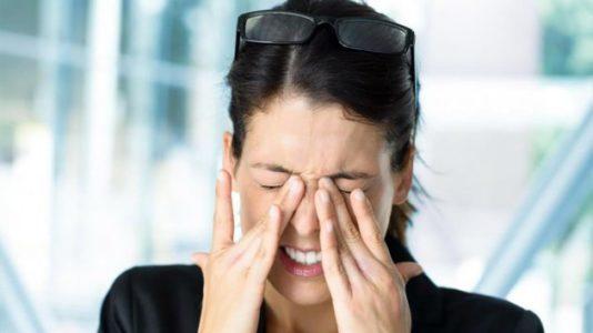 Происхождение болезненных ощущений в голове и глазах